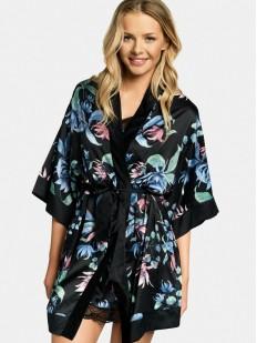 Черный атласный халат с цветочным принтом