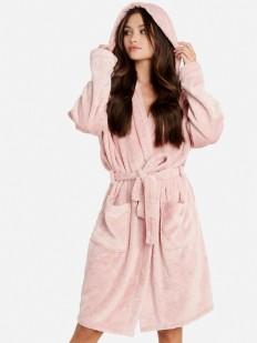 Теплый женский халат с капюшоном и накладными карманами
