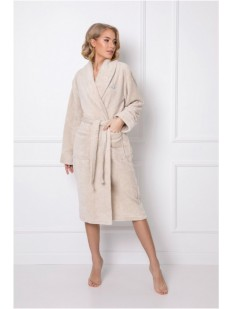 Длинный телпый женский халат бежевого цвета