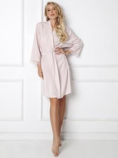 Классический розовый женский халат из легкой вискозы