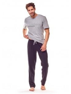 Хлопковая мужская пижама с брюками на завязках и серой футболкой