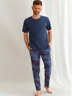Хлопковая мужская пижама: футболка и принтованные штаны