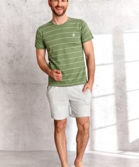 Мужская летняя пижама из хлопка с футболкой в полоску и шортами с карманами
