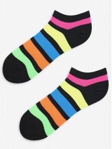 Укороченные женские носки из хлопка в радужную полоску