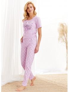 Женский пижамный комплект со штанами и футболкой в нежных тонах
