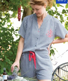 Клетчатая женская пижама: шорты и рубашка с коротким рукавом
