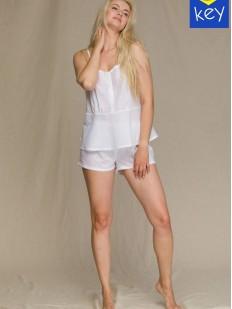 Летняя женская пижама: майка и шорты из тонкого хлопка