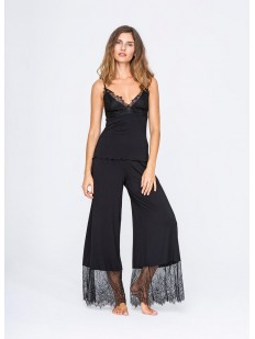 Женская пижама из вискозы и кружева с широкими брюками