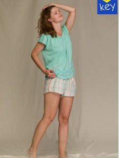 Летняя женская пижама с шортами в клетку и футболкой мятного цвета