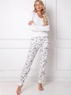 Женская пижама с принтованными штанами и белой кофтой