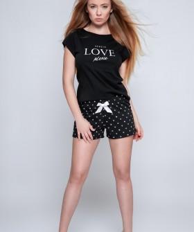 Летняя черная женская пижама с шортами в сердечко
