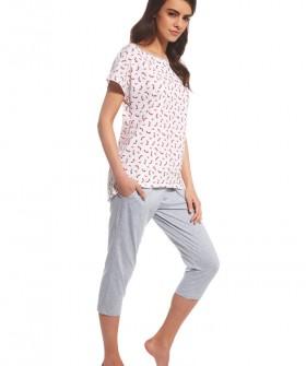 Хлопковая женская пижама с бриджами и принтованной футболкой