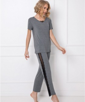 Серая женская пижама из вискозы с брюками и футболкой