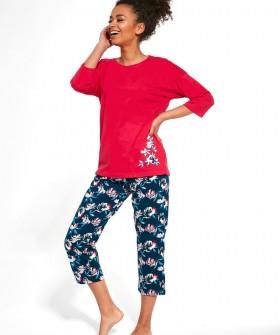 Женская пижама с цветочными бриджами и яркой кофтой из хлопка