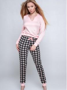 Женский пижамный комплект: розовый лонгслив и клетчатые брюки
