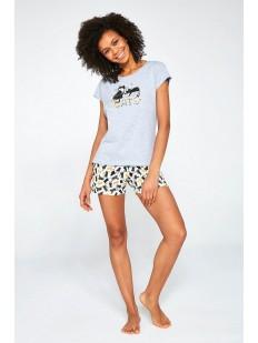 Женская пижама с принтованными шортами и футболкой