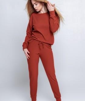 Женский пижамный комплект: трикотажные брюки и кофта