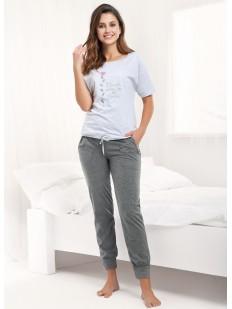 Женская пижама с из хлопка с брюками и футболкой
