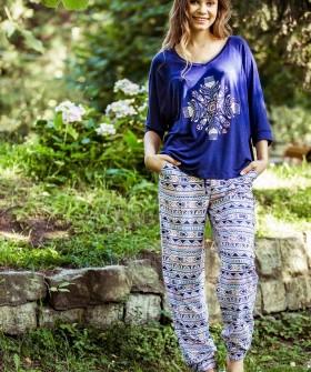 Женская пижама из трикотажа с принтованными штанами