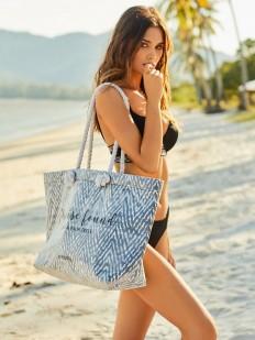 Вместительная пляжная сумка с геометрическим рисунком