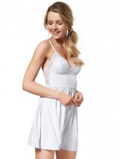 Короткая женская сорочка с мягкими чашками и кружевной спинкой
