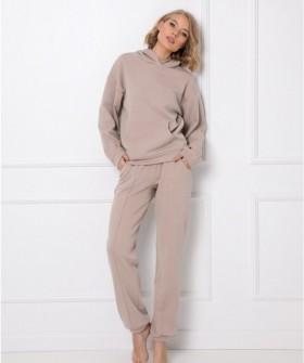 Теплый домашний женский комплект бежевого цвета: брюки и толстовка