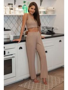 Домашний женский комплект: свободные брюки и топ