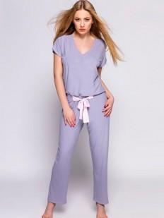 Сиреневый женский костюм для дома с прямыми брюками и футболкой