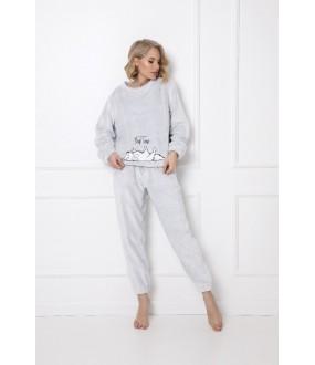 Теплый женский костюм для дома: брюки и кофта с котиком