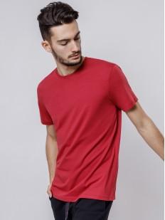 Красная мужская футболка из хлопка с круглым вырезом