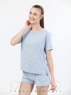 Голубая женская футболка из хлопка со спущенным рукавом