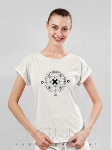 Бежевая женская футболка из хлопка с геометрическим принтом