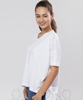 Белая женская футболка распашонка из хлопка с ассиметричным низом