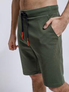 Зеленые мужские шорты бермуды с карманами