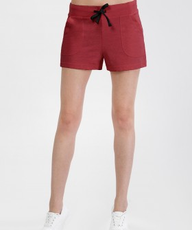 Женские бордовые короткие шорты с карманами