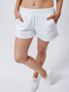 Короткие женские домашние шорты с карманами белые
