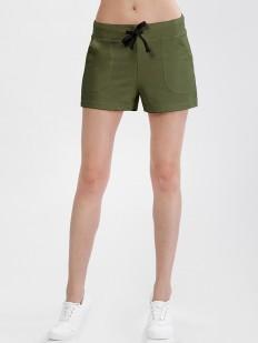 Короткие зеленые женские шорты из хлопка