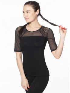 Блузка из вискозы с короткими тюлевыми рукавами