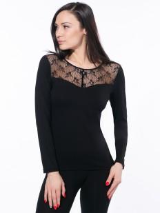 Приталенная черная блузка с тюлевым декольте и длинным рукавом