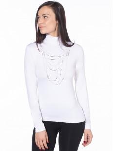 Белая водолазка с имитацией ожерелья и длинным рукавом