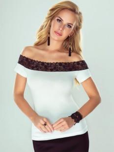 Белая элегантная блузка с открытыми плечами и коротким рукавом