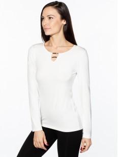 Блузка молочного цвета с длинным рукавом и вырезом каплей