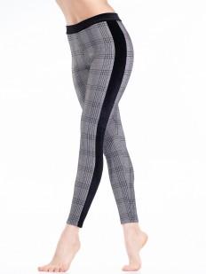 Теплые женские брюки легиннсы из вискозы в клетку с лампасами