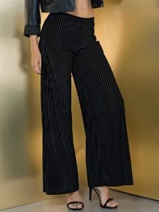Расклешенные женские брюки с рельефными полосками