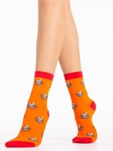 Новогодние оранжевые высокие женские носки с оленями в подарок