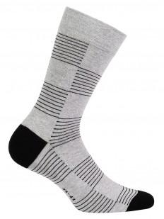 Высокие серые мужские носки с геометрическим рисунком
