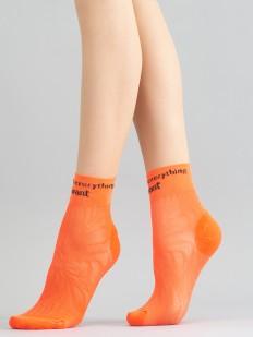 Неоновые женские носки с амбициозной надписью