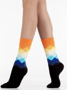 Стильные хлопковые носки унисекс с ярким геометрическим принтом