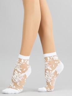 Капроновые женские носочки с растительным дизайном