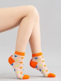 Стильные детские носки в разноцветные сердечки